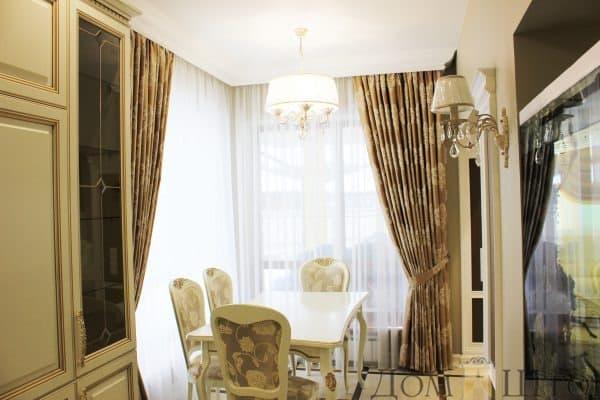 Портьеры с классическим рисунком в столовую
