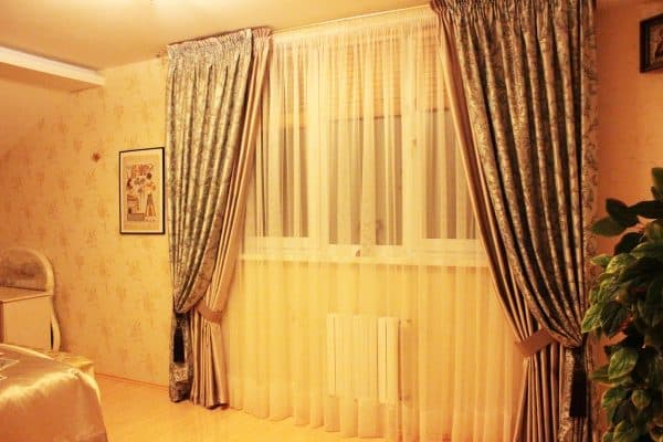 Двойные фальш-шторы для спальни